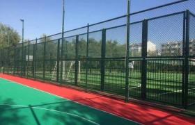 球场围栏 体育场铁丝网勾花网护栏 菱形网篮球场隔离网足球场围网