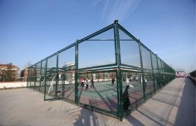体育场铁丝网球场围栏勾花网护栏网菱形网篮球场围栏足网球场围网